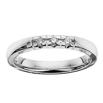 Grace Ring 3 x 0.03 ct